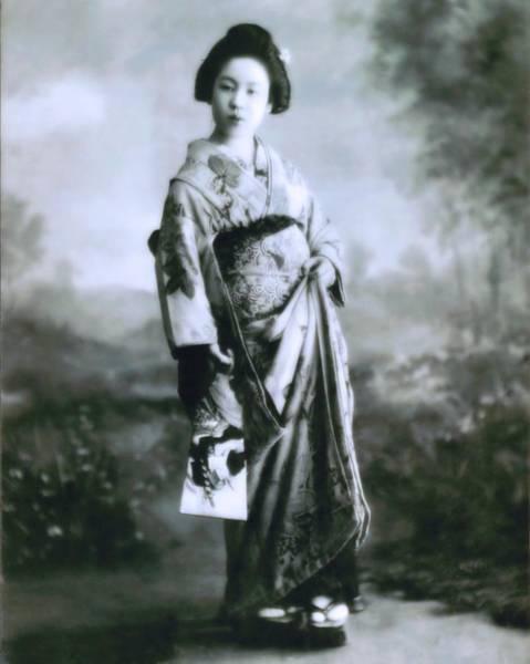 Photograph - Geisha 1 by John Feiser