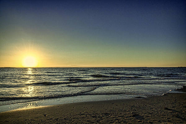 Photograph - Gentle Waves by Pete Federico