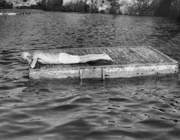 Raft Wall Art - Photograph - George Bernard Shaw by Underwood Archives