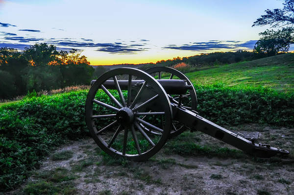 Photograph - Gettysburg Cannon - At Sunrise by Bill Cannon