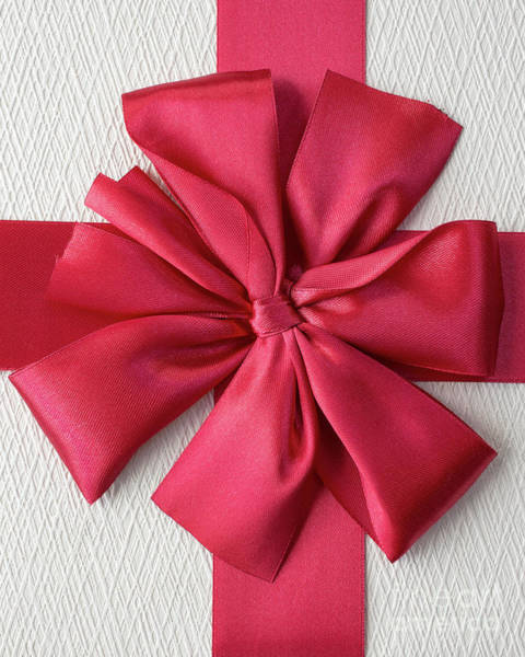 Gift Wrap Photograph - Gift Box With Red Bow by Edward Fielding