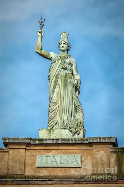 Wall Art - Photograph - Glasgow Italia Statue by Antony McAulay