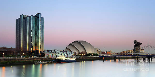Photograph - Glasgow River Clyde At Sunrise by Maria Gaellman