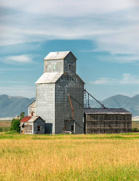 Wood Siding Wall Art - Photograph - Glengarry Grain Elevator by Todd Klassy
