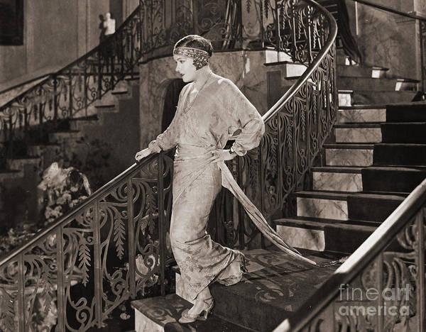 Gloria Swanson Photograph - Gloria Swanson (1897-1983) by Granger