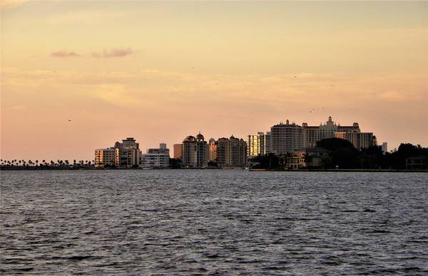 Florida Wall Art - Photograph - Glowing Skyline by Ric Schafer