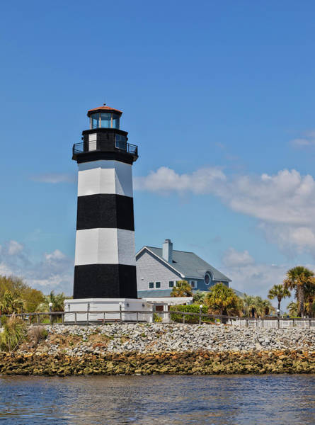 Wall Art - Photograph - Governor's Lighthouse by Lorraine Baum