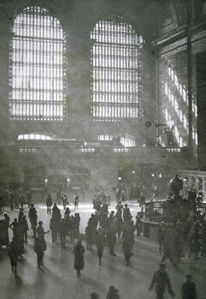 Grand Central Terminal Wall Art - Photograph - Grand Central Station, New York City, 1925 by American School