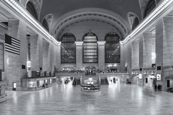 Photograph - Grand Central Terminal II by Clarence Holmes