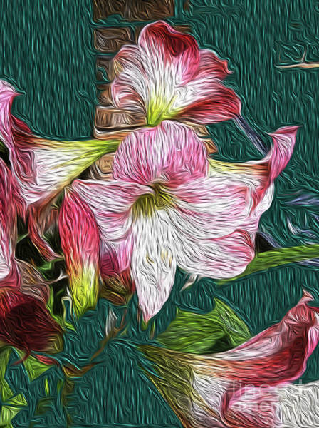 Red Amaryllis Painting - Grannys Amaryllis by Francelle Theriot