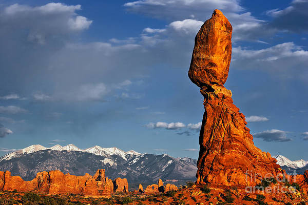 Gravity Defying Balanced Rock, Arches National Park, Utah Art Print