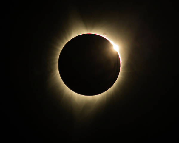 Photograph - Great American Eclipse Diamond Ring 5x7 As Seen In Albany, Oregon. by John King