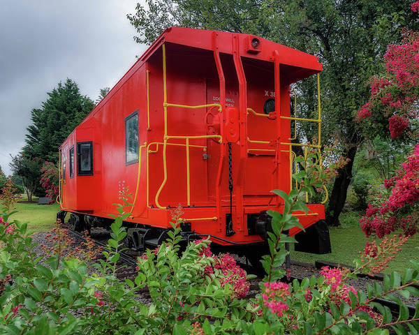 Red Caboose Photograph - Gretna Railroad Park by Steve Hurt