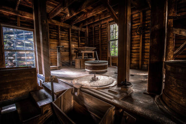 Mingus Mill Photograph - Grindstone At The Mingus Mill by David Morefield