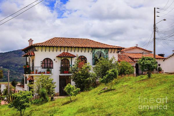 Guatavita Wall Art - Photograph - Guatavita, Colombia - Colonial Style Houses On Hillside by Devasahayam Chandra Dhas