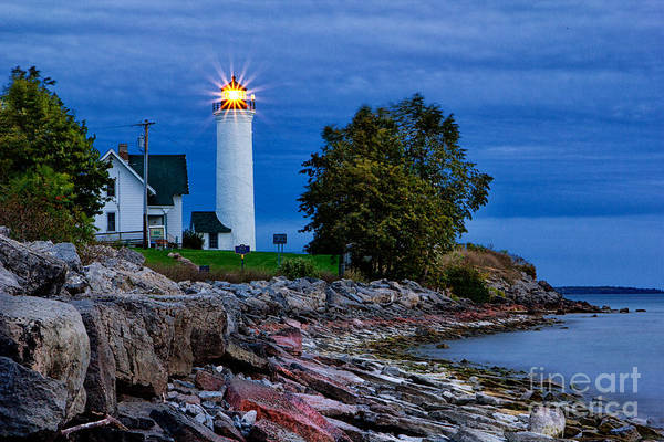 Photograph - Guiding Light by Rod Best