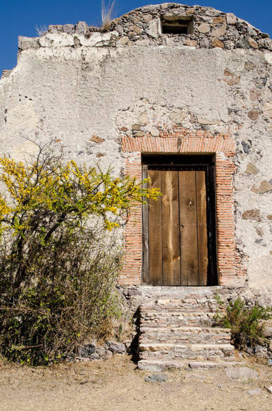Photograph - Hacienda Ruins. by Rob Huntley