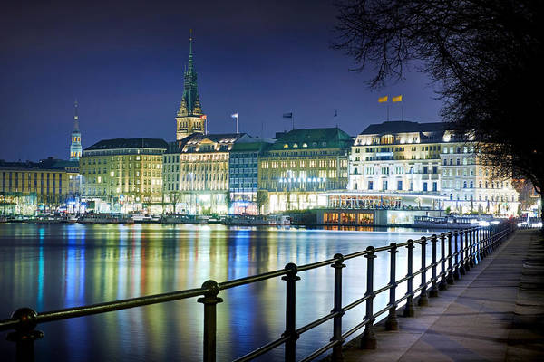 Photograph - Hamburg At Night by Marc Huebner