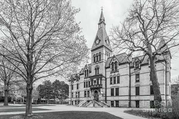 Photograph - Hamline University Old Main Side View by University Icons