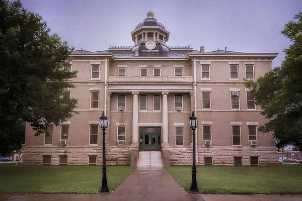Photograph - Hardeman County Courthouse by Joan Carroll