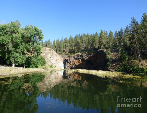Photograph - Hawk Creek Falls - 2 by Charles Robinson