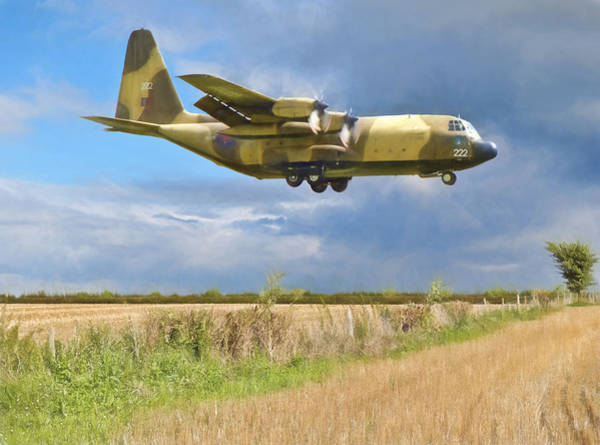 Photograph - Hercules Xv222 by Paul Gulliver