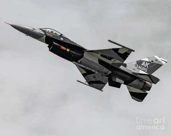 Vape Photograph - High Alpha F-16 In All Those White, Black And Greys by Joe Kunzler
