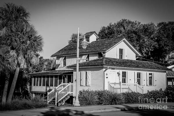 Photograph - Historic Sewell House by Tom Claud