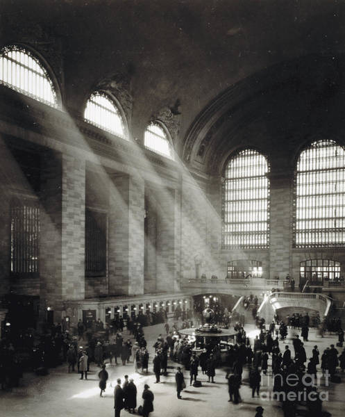 Beam Of Light Photograph - Holiday Crowd At Grand Central Terminal, New York City, Circa 1920 by American School