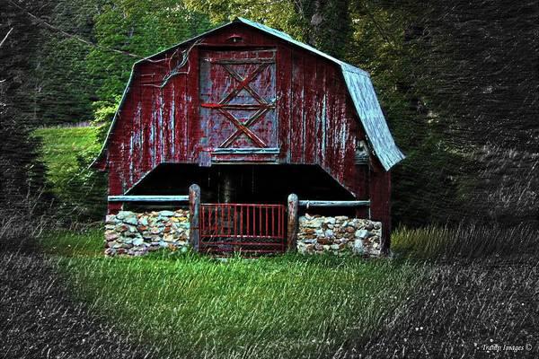 Photograph - Homestead Barn by Wesley Nesbitt