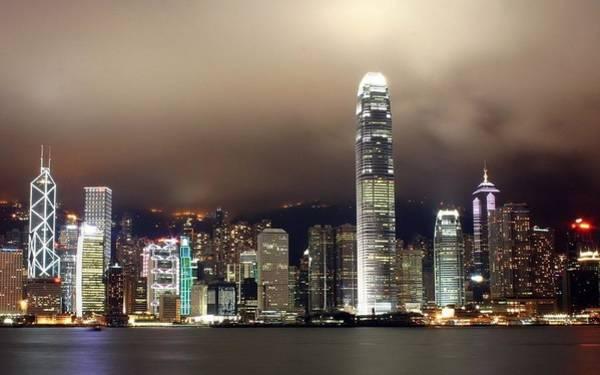 Skyline Digital Art - Hong Kong by Maye Loeser