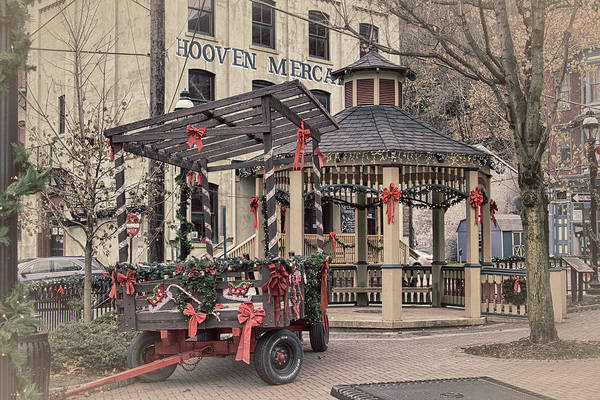 Photograph - Hooven Mercantile Building by Frank Morales Jr