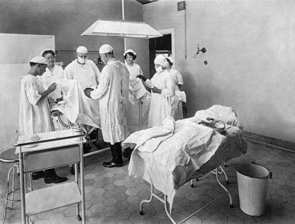Wall Art - Photograph - Hospital Surgical Team by Underwood Archives