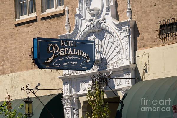 Photograph - Hotel Petaluma In Petaluma California Usa Dsc3861 by Wingsdomain Art and Photography