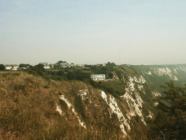 Photograph - House On The Cliffs, Folkestone, Kent, England by Samuel Pye