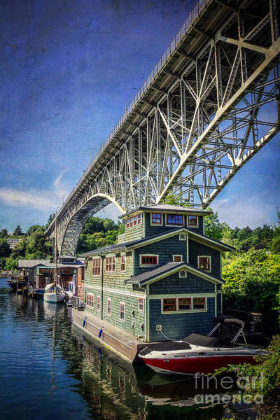Houseboat Photograph - Houseboat And Aurora Bridge Seattle by Joan McCool