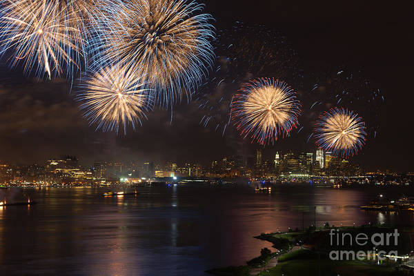 Photograph - Hudson River Fireworks Ix by Clarence Holmes
