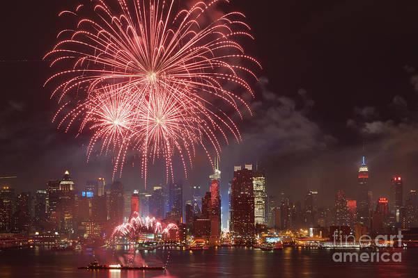 Photograph - Hudson River Fireworks V by Clarence Holmes