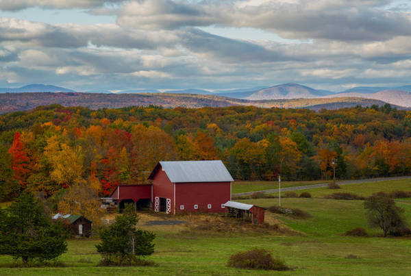 Photograph - Hudson Valley Ny Fall Colors by Susan Candelario