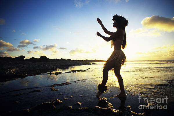 Hawaii Wall Art - Photograph - Hula Silhouette by Vince Cavataio - Printscapes