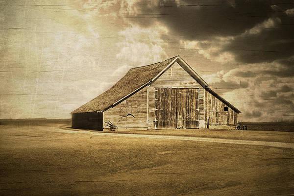 Barn Swallow Wall Art - Photograph - Hwy 9 Barn by Julie Hamilton