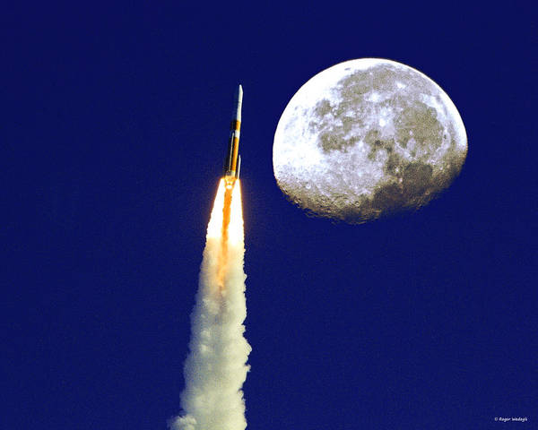 Delta Iv Photograph - I Need My Space by Roger Wedegis