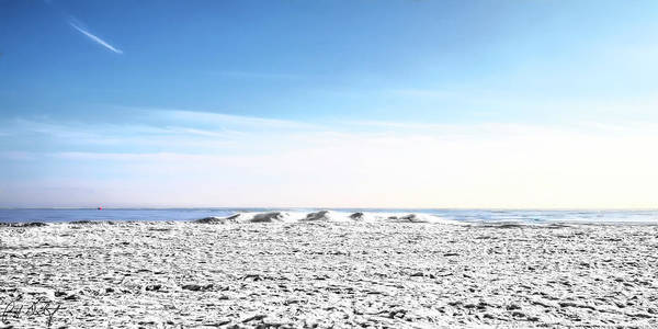 Great Lakes Region Wall Art - Photograph - Ice And Snow On Erie by Phill Doherty