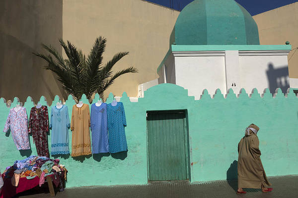 Asilah Wall Art - Photograph - In A Street Of Asilah by Claude Renault