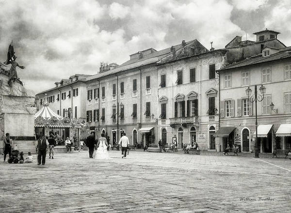 Photograph - In The Piazza by William Beuther