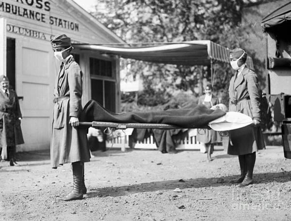 Photograph - Influenza Epidemic, 1918 by Granger