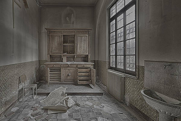Photograph - Interior Furniture Atmosphere Of Abandoned Places Dig Photo by Enrico Pelos