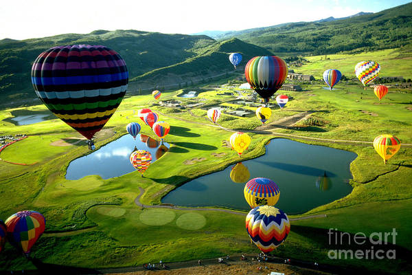 Photograph - International Balloon Fesitval by Margaret Durrance