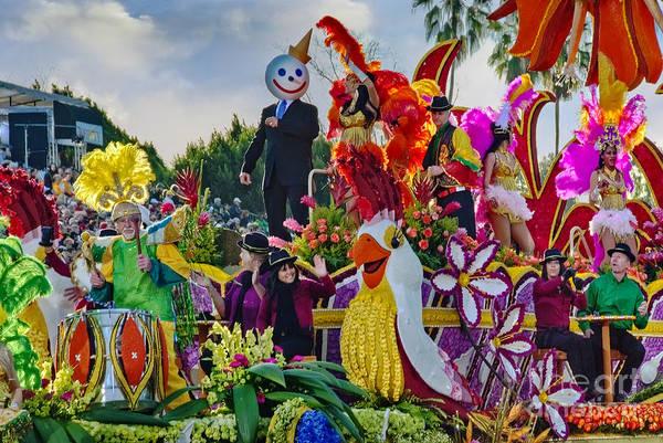Tournament Of Roses Photograph - Jack N Box Parade Floats by David Zanzinger
