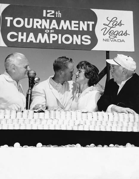 Photograph - Jack Nicklaus And Wife by Underwood Archives